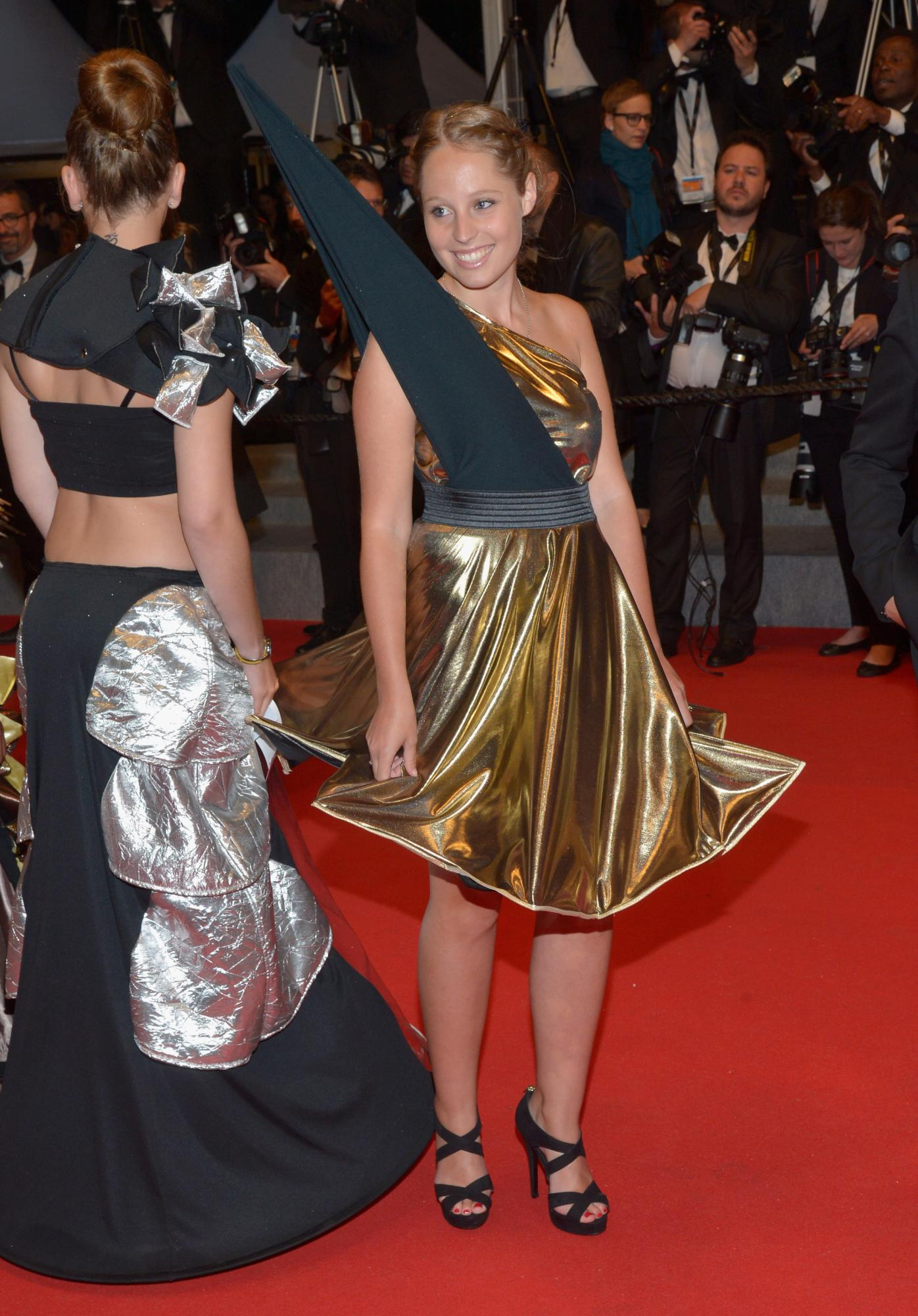 Quebec director Xavier Dolans Mommy wows at Cannes