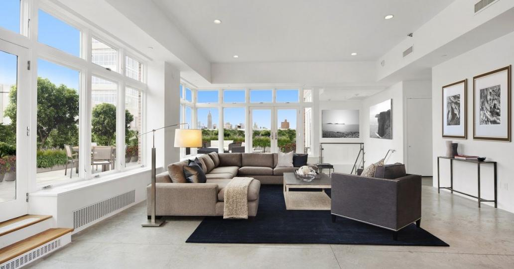 Rihanna vend son grand penthouse dans le centre-ville de New York (PHOTOS)