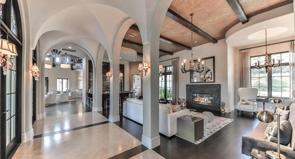 Step inside Britney Spears' $9 million mansion and get ready to be wowed [GALLERY]