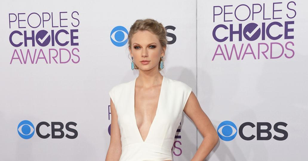 Prep for tonight's People's Choice Awards with last year's top 10 looks!