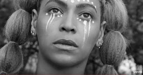 Beyoncé's just put online two music videos after the Grammys 2017