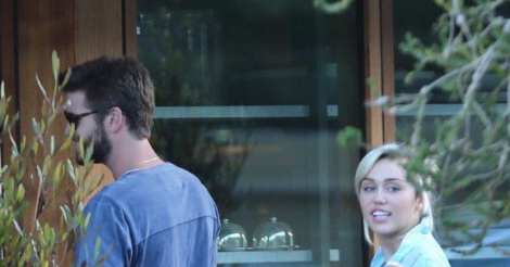 Miley, Liam… Is that a wedding ring?!