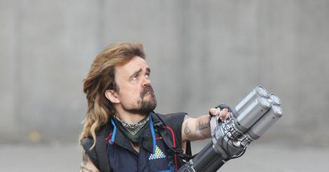Peter Dinklage's glorious mullet sparks memes perfect for #TBT
