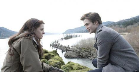 Whiny Kristen Stewart complains Robert Pattinson is 'killing' her with neglect