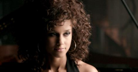 Alicia Keys' curly makeover should distract you from these new plagiarism charges