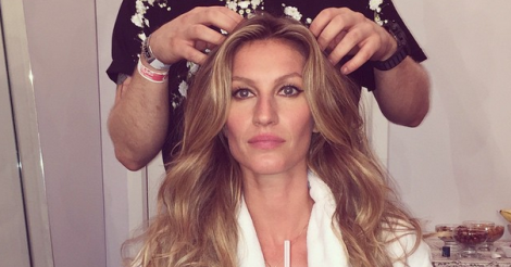 Supermodel Gisele Bündchen walks down a catwalk for the last time during São Paulo Fashion Week [VIDEO]