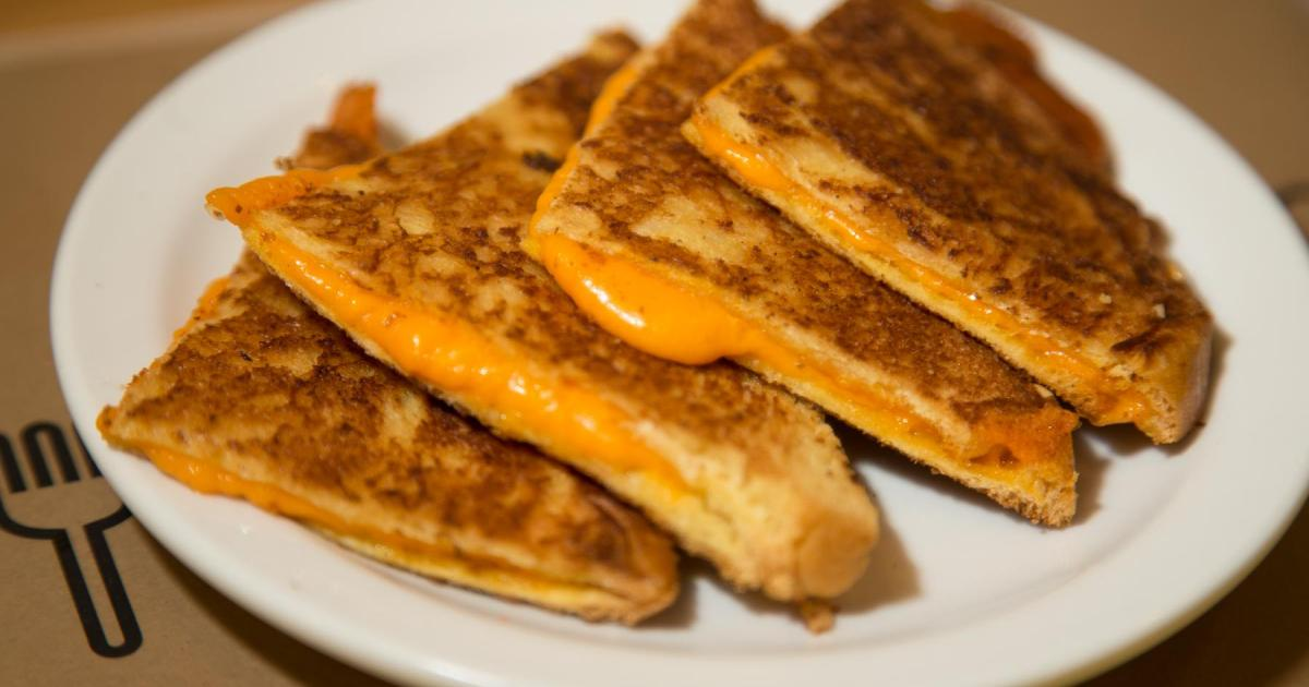 100 grilled-cheese gratuits pour les 1 an du Cheese Casse-Croûte