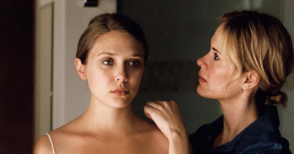 Elizabeth Olsen deals a full house of panic in 'Martha Marcy May Marlene'