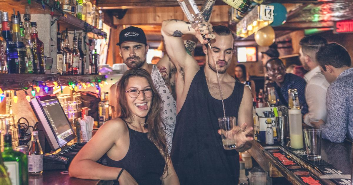 Le Warehouse fête ses 2 ans en grand avec un staff party épique! [Photos]