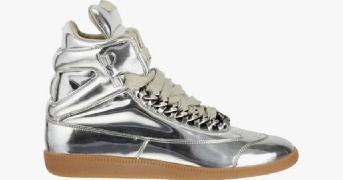 Top 10 dopest sneakers to give your friends this Xmas