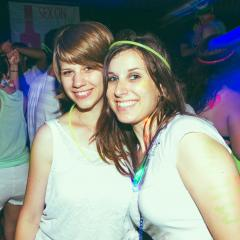 Drink! le Glow Party Yo! de MTL Blog ou comment manger les seins de Madame