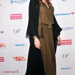 Angelina Jolie is a Jedi Master, Debbie Harry resembles a homeless woman - worst dressed celebs of the week. Also starring Shannon Tweed, Lauren Bush and Julianne Hough. 27262