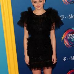 The Kissing Booth's Joey King was adorable in black.