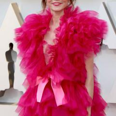 Green Book's Linda Cardellini in pink.