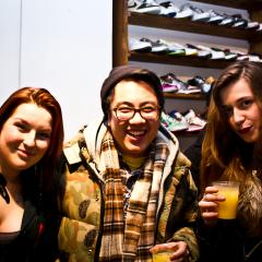 Boutique Alibi: Thumbs up! 111809