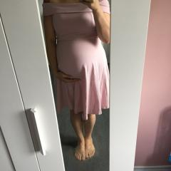 Robe: Asos maternity