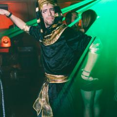 De sexy démons festoient au plus fou party d'Halloween à La Voûte [Photos]
