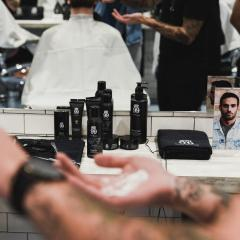 Jeremy Wilde ouvre le barbershop 'Wilde Cutting Club' avec House 99 551992