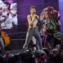 MMVAs mega gallery Part 1 -Featuring: Lorde, Kendall & Kylie Jenner, Kiesza, Hedley, Kellan Lutz and many more!