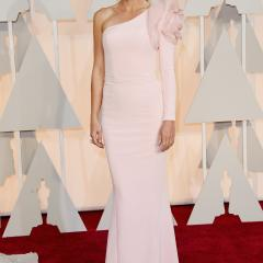 Gwyneth Paltrow: AHHH, a giant flower is trying to eat her arm!