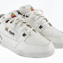 Apple kicks - 15 000$